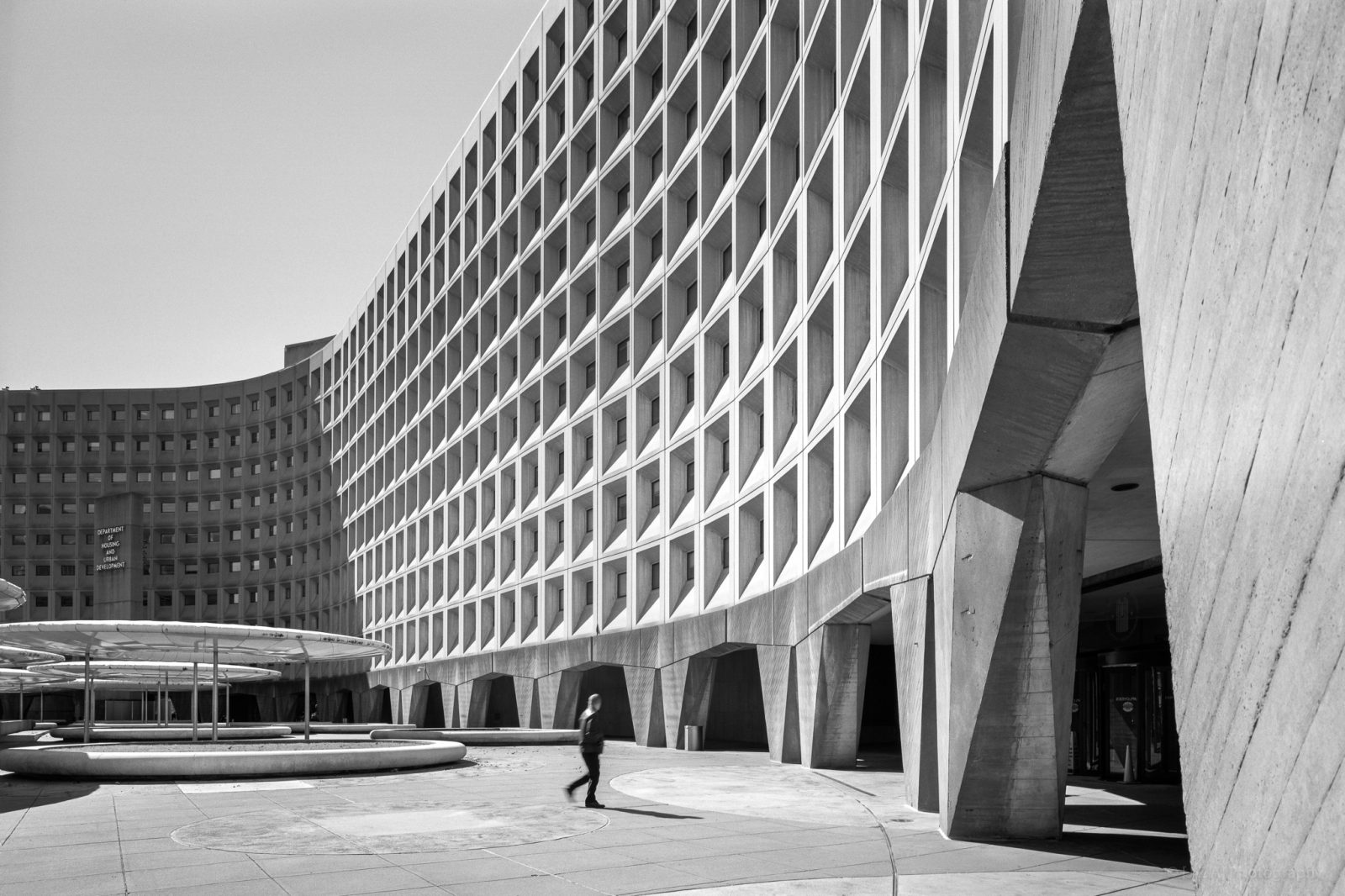 Department of Housing and Urban Development, Robert C. Weaver Federal Building