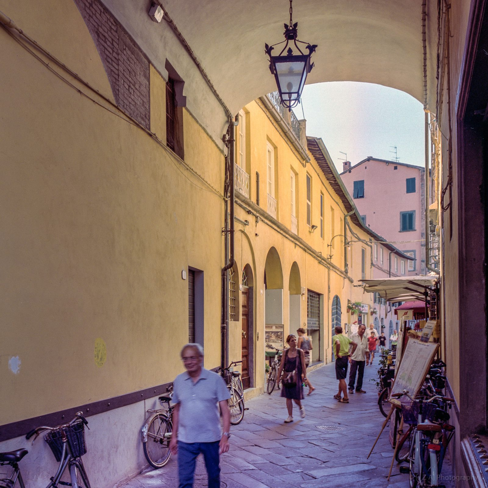 Street Life, Lucca